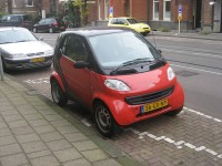 Would it be smart to lease a SmartCar? Image from Flikr.