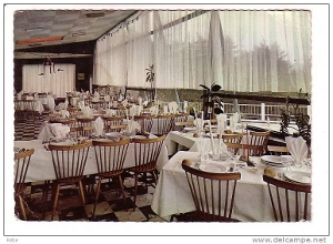 The table's set but nobody's home. Restaurants are in need of serious debt relief. (Photo: Wikipedia.org)