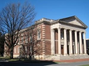 Williams College in Massachusetts is facing financial aid cutbacks. More students will resort to personal loans as a result. (Photo: flickr.com)