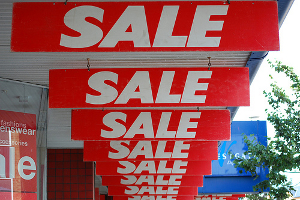 This holiday season, the retail giants are battling for your business. Need a cash advance to keep up? (Photo: flickr.com)