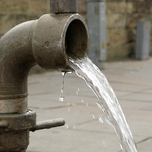 Need some save water tips? Check these out and see what they do for your water bill! (Photo: flickr.com)