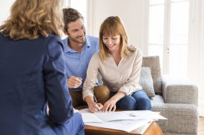 Couple applies for personal installment loan